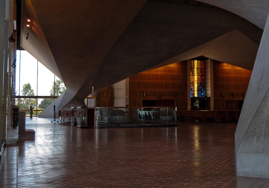 interior with corner pillar