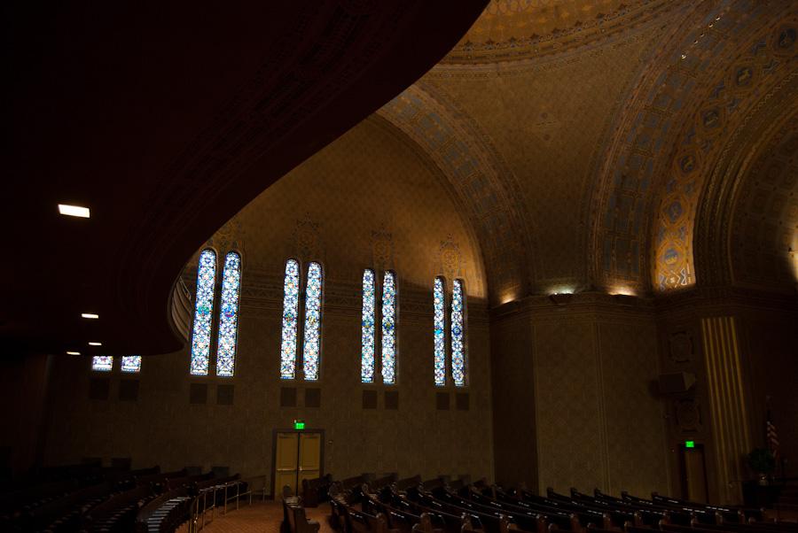 Rodeph Shalom Synagogue sanctuary, north wall interior